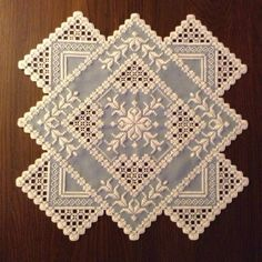 I'm not typically a huge Hardanger fan but I did like this one I found on Pinterest.
