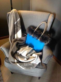 La fourrure c'est chic! #obag #itbag #fullspotbiarritz #fullspot #furischic