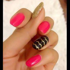 Gold, pin,k and black chevron nail art