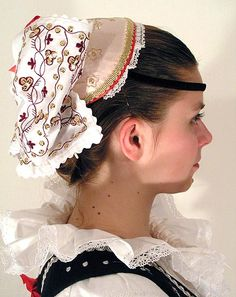 Head dress from Czech Republic Art Costume, Folk Costume, Family Roots, People Around The World, Czech Republic, Traditional Dresses, Headdress, European Costumes, Culture