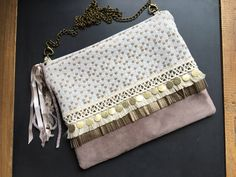 Diy Clutch, Diy Tote Bag, Clutch Bag, Pochette Diy, Embroidery Purse, Marc Jacobs Handbag, Fringe Bags, Jute Bags, Boho Bags