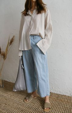 6 Onmisbare basics voor in je zomergarderobe Look Fashion, Korean Fashion, Fashion Outfits, Fashion Clothes, Fall Fashion, Looks Style, Style Me, Easy Style, Baggy Pants
