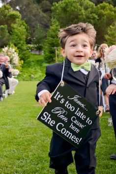 A cute sign for the ring bearer to wear More
