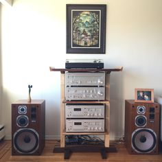 Designed a stereo rack to house a vintage Yamaha stereo stack. Influenced by Japanese Torii gate architecture. Audio Design, Speaker Design, Yamaha Audio, Audio Rack, Stereo Cabinet, Hi Fi System, Vinyl Storage, Acoustic Panels, Hifi Audio
