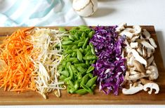 Colorful, flavorful and easy. These Thai Peanut Veggie Rice Bowls are freaking delicious! You'll wanna use the extra Thai Peanut Sauce on EVERYTHING! Vegetarian Rice Bowl Recipe, Veggie Rice Bowl, Rice Bowls, Veggie Fries, Veggie Stir Fry, Yummy Thai, Thai Peanut Sauce, Butter Rice, Low Sodium Soy Sauce