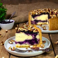 vegan blueberry cheesecake with pecan crisp - Vegan - Pie Blueberry Cheesecake Bars, Best Cheesecake, Blueberry Desserts, Vegan Blueberry, Cheesecake Recipes, Blueberry Cake, Pie Recipes, Rock Recipes, Dessert Simple