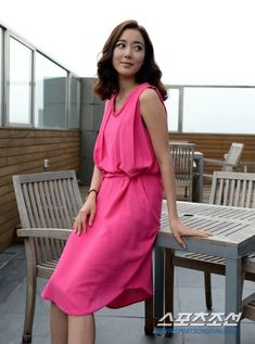Lee So Yeon, Korean Beauty, Photo Galleries, Wrap Dress, Female, Gallery, Drama, Movie, Dresses