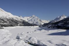 The Stelvio Natural Park includes part of the Valdidentro landscape. Cancano area is beautiful in all seasons. Natural Park, Winter Season, Mount Everest, Environment, Seasons, Pure Products, Mountains, Landscape, Nature
