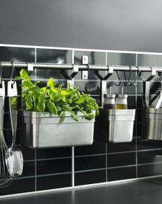 http://www.almicaalmacen.com/  Fresh spices in la cocina