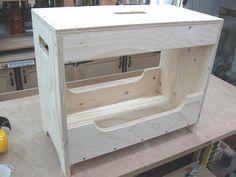 Carpenter's Tool Box & Bench / Boîte à outils & banc demenuisier