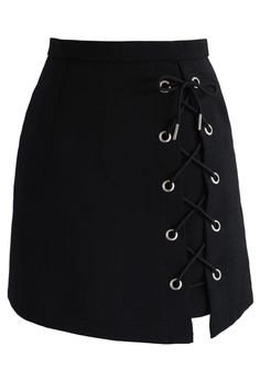 Go ahead and give into the mini obsession—because a short, sassy black skirt with a fun shoestring design is style goals met effortlessly.