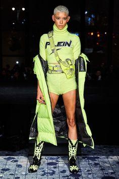 Philipp Plein Fall 2019 Ready-to-Wear Fashion Show - Vogue Catwalk Fashion, Fashion Show, Fashion Trends, Mens Fashion, Fashion Outfits, Phillips Plein, Yves Klein Blue, Vogue Russia, Work Wardrobe