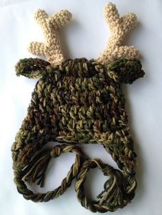 Camo Antler Hat for first Halloween or chirstmas cute! Crochet Deer, Cute Crochet, Knit Crochet, Booties Crochet, Simple Crochet, Hexagon Crochet, Crochet Converse, Crochet Baby Shoes, Double Crochet