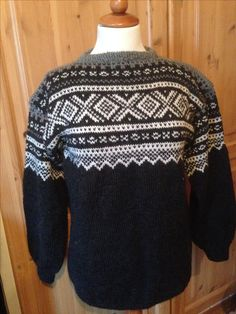 Mariusgenser Christmas Sweaters, Knitting, Fashion, Creative, Moda, Tricot, La Mode, Christmas Jumper Dress, Breien