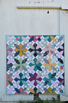 I love this new pattern by Sharon Mcconnell of Color Girl Quilts! #SummerBloom features Art Gallery Fabrics , mostly prints from #Lavish by Katarina Roccella, was pieced with Aurifil thread, and uses Hobbs Quilt Batting 80/20. To learn more, please visit: http://colorgirlquilts.com/2016/09/summer-bloom-pattern.html