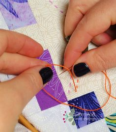 How to do Big Stitch Hand Quilting with Perle Cotton tutorial How to hand quilt with perle cotton - big stitch quilting tutorial Hand Quilting Patterns, Sewing Stitches, Free Motion Quilting, Quilting Tips, Quilting Tutorials, Machine Quilting, Quilting Quotes, Tatting Patterns, Quilting Projects
