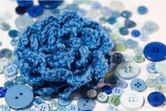 These Simple Spring Rosettes can be used as an applique for a variety of different crochet designs. Simply add this pretty flower onto any hat, bag, or sweater to bring a feminine touch to your item of choice. Use pink or red yarn to complete this fr