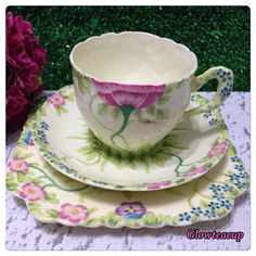 Royal Grafton Garden Glories trio @ IDR 1600 k. China Cups And Saucers, Teapots And Cups, China Tea Cups, Teacups, Cup And Saucer Set, Tea Cup Saucer, Vintage Tea Parties, Brunch Decor, Retro