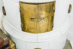 Sibyllegatan 52B på NOOKS | Hem som kanske är till salu. https://nooks.se/apartment/ed3a5009-486c-4b9b-88d0-a48fd9d025e5 #tilestove #stove #scandinaviandesign #hellonooks #nooks #vintage #stockholm #swedishdesign #interiordesign #interior #woodenchest #chests #lightinterior