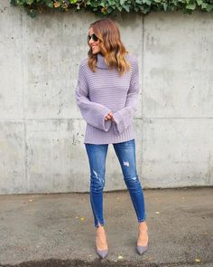 The chunky knit feel of our Gwenna Knit Sweater is unparalleled! We love the coziness and chic appeal of this sweater in a lilac hue! The turtleneck, length and long sleeves complement each other perf