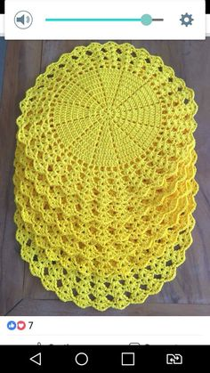 Crochet doily Step by step Tut crochet hexagon for blouses This Pin was discovered by Sto Crochet Placemats, Crochet Quilt, Crochet Blocks, Crochet Dishcloths, Crochet Art, Crochet Squares, Thread Crochet, Crochet Motif, Crochet Flower Patterns