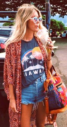25 Awesome Boho Chic Style Inspirations And Outfit Ideas To Free Your Mind #bohemian #fashion #style #outfits #summer