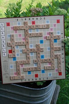 Create●Share●Inspire: Personalized Scrabble Game do with student names for bulletin board? Scrabble Bulletin Boards, Scrabble Letters, Scrabble Tiles, Scrabble Wedding, Fun Crafts, Diy And Crafts, Adult Crafts, Scrabble Crafts, Game Room Decor