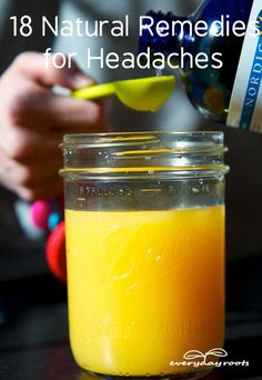 List of folk remedies for headaches or migraines with fairly sensible explanatory descriptions. Most tips are incredibly uncomplicated and you might be amazed and thrilled to realize the prospect of non-toxic relief is indeed readily available at home. Holistic Remedies, Herbal Remedies, Health Remedies, Flu Remedies, Natural Headache Remedies, Natural Home Remedies, Natural Healing, Natural Oil, Holistic Healing