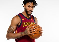 NBA Rumors: Derrick Rose Should Replace Jeff Teague As Timberwolves Starting PG, Says Kevin Garnett. Does starting Derrick Rose over Jeff Teague make sense for the Timberwolves? Derrick Rose Wallpapers, Jeff Teague, Nba Rumors, Rose Adidas, Kevin Garnett, Sports Wallpapers, Wallpaper Pictures, New York Knicks, Picture Tag