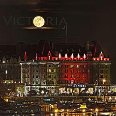 Eerie and wonderfully spooky: Victoria at Halloween. Visit British Columiba's haunted capital. #VictoriaBOO #Halloween #ExploreVictoria | www.tourismvictoria.com