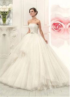 Glamorous Tulle Strapless Neckline 2 In 1 Wedding Dress With Lace Appliques