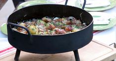 Iron Pan, It Cast, Food, Salsa, Gourmet, Beef Recipes, Afternoon Snacks, Cooking Recipes, Deserts