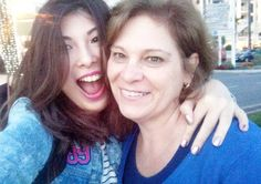 Miga sua louca feliz dia da mamain!  Te amo te amo te amo!