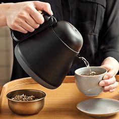 Čajník Teako Tea Pot od XD Design - Fakt praktický čajník na sypaný čaj Pause Café, Kitchen Gadgets, Kettle, Tea Pots, Container, Objects, Design, Lifestyle, Decoration