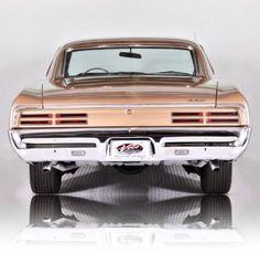 1967 Pontiac GTO, now that's a back end!