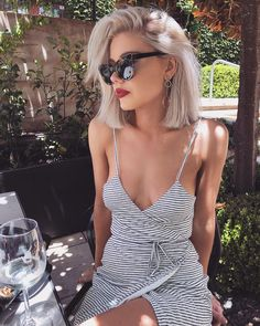 Süße Kurzhaarschnitte für Mädchen 2019 awesome These short haircuts for girls are the absolute sweetest we have discovered for this year! Summer Haircuts, Girls Short Haircuts, Hair Inspo, Hair Inspiration, Short Hair Cuts, Short Hair Styles, Outfits For Short Hair, Blonde Hair Outfits, Summer Outfits