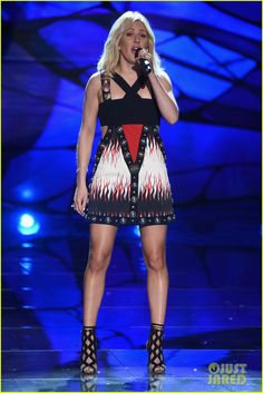 Ellie Goulding Rocks Three Looks for Victoria's Secret Fashion Show 2015 !