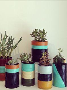 Tin can succulent planters Tin can succulent planters Tin can . Tin can succulen Diy Recycling, Recycle Cans, Painted Tin Cans, Painted Pots, Home Crafts, Diy Home Decor, Diy And Crafts, Tin Can Decorations, Diy Planters