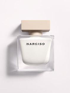 「ナルシソ ロドリゲス」から究極にセクシーなフレグランス「NARCISO」が登場