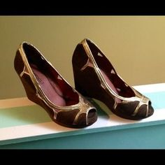 I just discovered this while shopping on Poshmark: ✂️✂️REDUCED✂️✂️ROSEGOLD Wedge Sandals. Check it out!  Size: 8.5