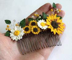 Sunflower Hair Comb Sunflower Wedding Large by NikushJewelryArt Sunflower Accessories, Diy Hair Accessories, Wedding Table Flowers, Wedding Bouquets, Flower Phone Wallpaper, Accesorios Casual, Fantasy Jewelry, Polymer Clay Crafts, Bow