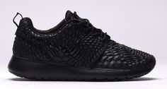 Roshe 1 DMB Triple Black | Nike