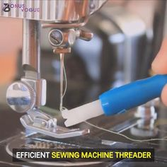 🙋♀Pass thread through the needle eye conveniently 👍No longer wasting time on preparation. Sewing Lessons, Sewing Hacks, Sewing Projects, Sewing Crafts, Sewing Classes For Beginners, Threading Machine, Sewing Machine Thread, Brother Sewing Machines, Hand Embroidery Videos