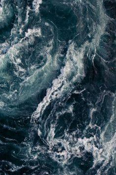 "ساکنان دریا بعد از مدتی صدای امواج دریا را نمی شنوند چه تلخ است قصه ی عـــــــــــــادت ""After a while, the residents of the sea do not hear the sound of the waves. How bitter it is, the story of routine."" [source]- unknown"