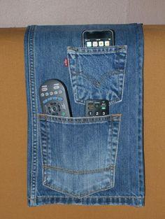 ¿Estáis buscando ideas para reciclar jeans viejos? ¡Atención! En Inspira Hogar hemos seleccionado las mejores ideas que hemos encontrado para que puedas inspirarte y hacer tus propias manualidades reciclando jeans viejos. ¡Empecemos!33 maneras de reciclar jeans viejos1. Organizador para pared...