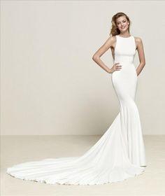 538af42cc1 39 Best Designer Dresses15 images