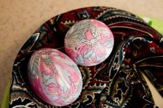 Silk Tie Dyed Eggs~ use real silk scarves or ties from thrift shop.  If not silk, doesn't wok.