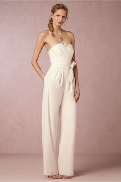 Rehearsal dinner outfits - 25 Unconventional Bridal Pants & Suits for the Modern Bride – Rehearsal dinner outfits Bride Reception Dresses, Wedding Reception Outfit, Wedding Dress Sizes, Casual Wedding, Wedding Dresses, Practical Wedding, Wedding Dinner, Reception Ideas, Wedding Pics