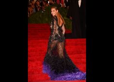 Beyonce Knowles in a sheer Givenchy Haute Couture by Riccardo Tisci embroidered gown with a purple ombre train at 2012 Met Gala See Thru Dresses, Red Carpet Hair, Costume Institute, Purple Dress, Purple Ombre, Red Carpet Fashion, Aesthetic Clothes, Beautiful People, Ideias Fashion