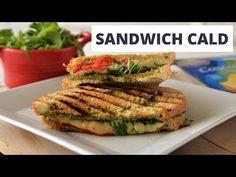 Inca inainte de a aparea aparatele speciale pentru sandvisuri, sandwich-maker-ele, mama ne facea sandvichuri calde, la cuptor. Taia o bagheta pe jumatate, o ungea cu …